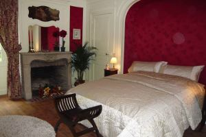 Cardinal Richelieu- Castle en-suite room