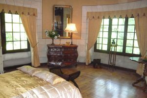Marquis Francois de Vaudemont - Ground Floor Castle en-suite bedroom